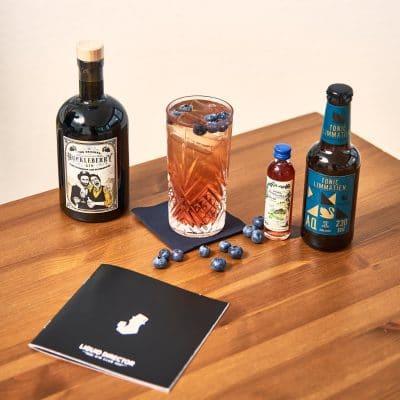 Blue Gin Tonic mit Aqua Monaco Limmatien Tonic Water und Huckleberry Gin
