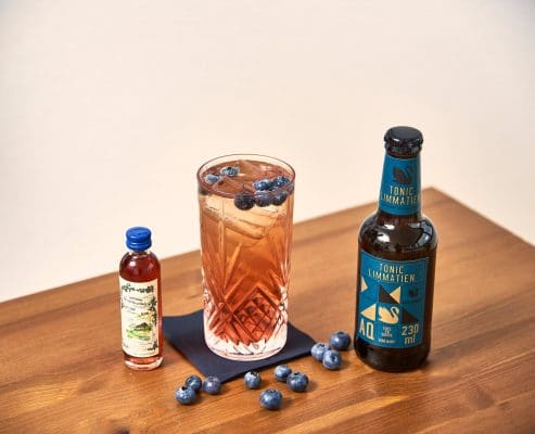 Blue Gin Tonic mit Aqua Monaco Limmatien Tonic Water