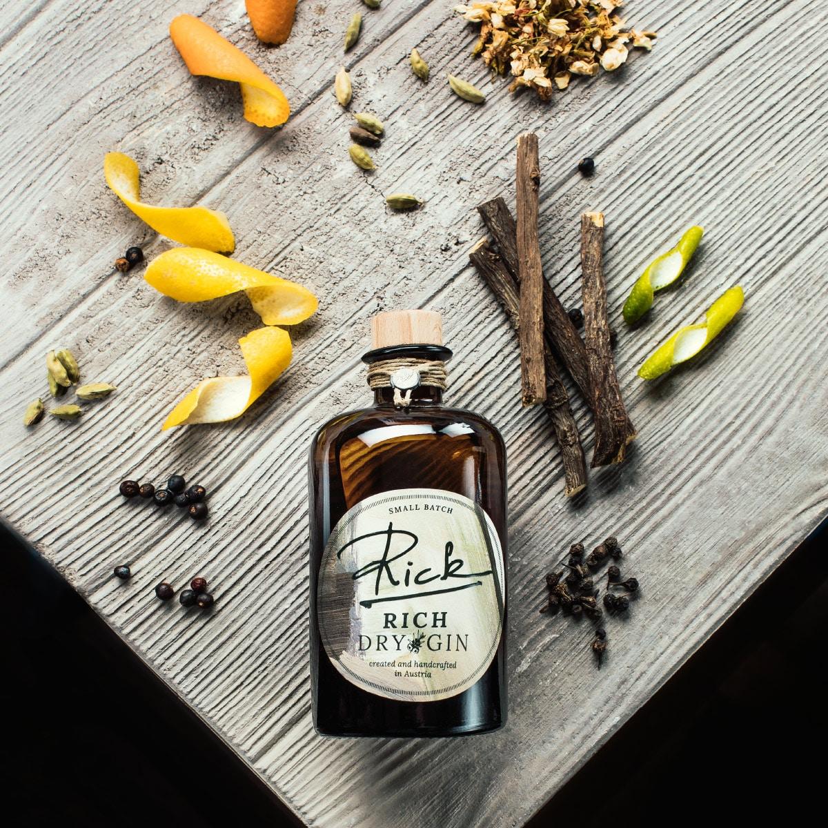 Rick Gin Rich - mit Botanicals