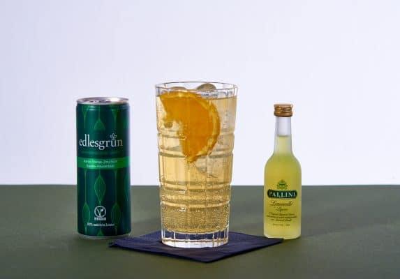 Forestglade Cocktail mit dem Schönbuch Gin und Edlesgrün, sowie Pallini Limoncello