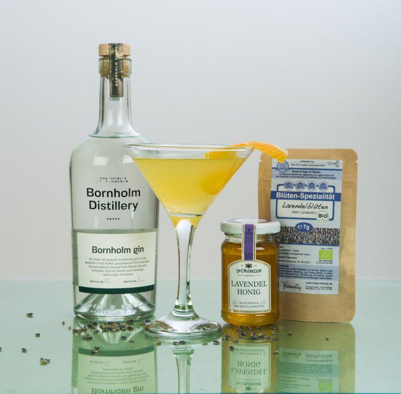 Lavender Summer Bees Knees Cocktail mit Gin